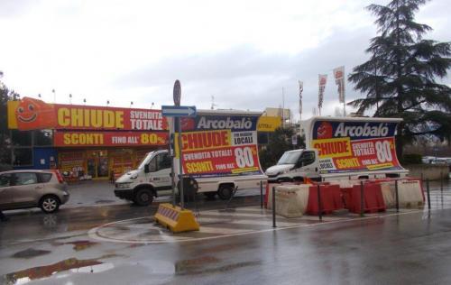 camion-vela-arcobalo-pisa-media-pubblicita