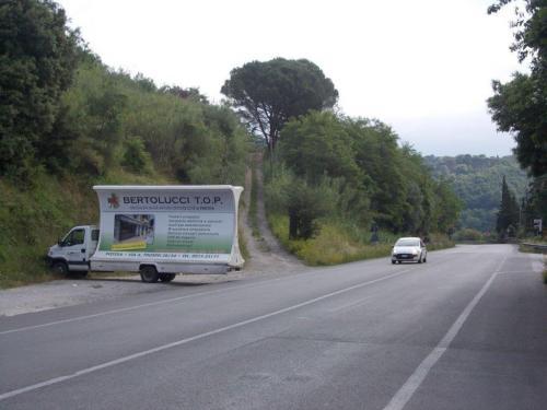 camion-vela-bertolucci-lucca-media-pubblicita