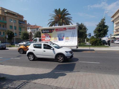 camion-vela-bricoio-livorno-media-pubblicita