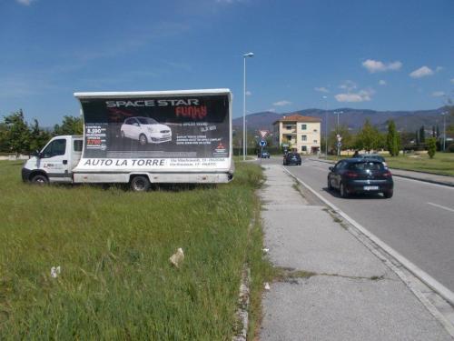 camion-vela-mitsubishi-auto-la-torre-pistoia-prato-media-pubblicita